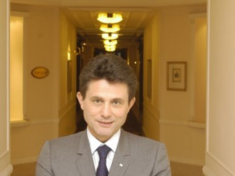 A man of two worlds, Henri de Castries shows how it is possible to be rooted in old European tradition yet embrace the modern realities of economic globalisation