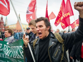 As hundreds-of-thousands of protesters continue to descend on Moscow over alleged election fraud, Sergei Guriev and Aleh Tsyvinski ask how long the Russian government can treat its people with apathy