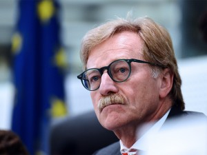 Governor of the Central Bank of Luxembourg Yves Mersch warned that failing to reach a deal on the last element of the banking union would be 'close to suicide'