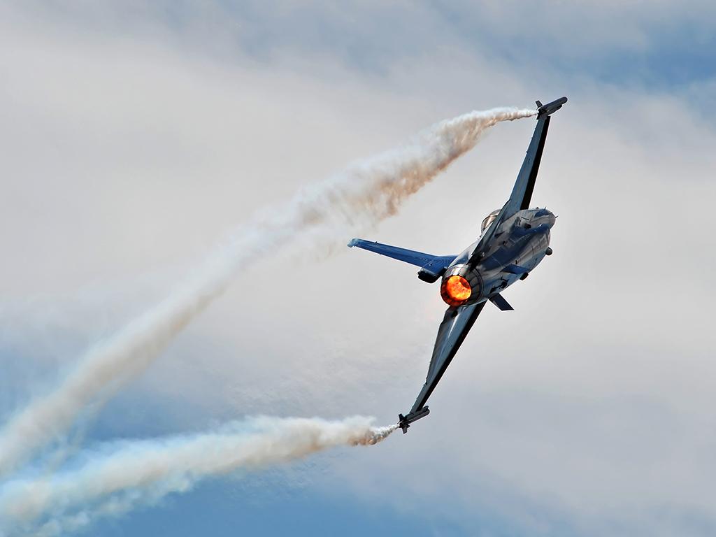 Lockheed-Martin-F-16AM-Fighting-Falcon-on-display
