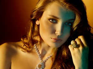 A model wears jewellery by Mahallati Jewellery. The brand has been going from strength to strength in the Middle East