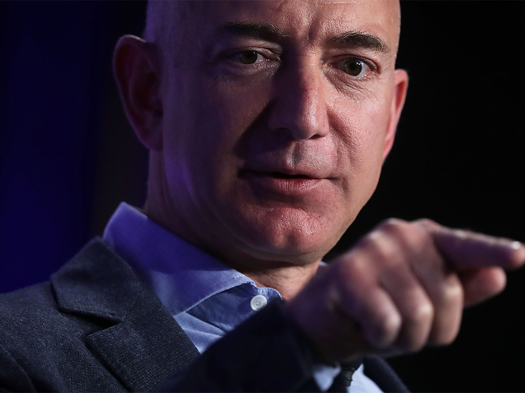 Buoyed by the success of its Prime service, Amazon has announced earnings and profits way above expectations, making CEO and shareholder Jess Bezos even richer than before