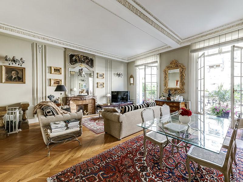 A luxury property from the VINGT Paris portfolio