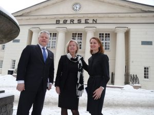 CEO of Nasdaq Nordics Lauri Rosendahl (L), CEO of Oslo Børs Bente A Landsnes (C) and Chair of the Board of Directors at Oslo Børs Catharina E Hellerud following Nasdaq's bid